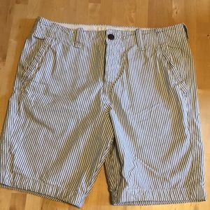 Button fly Abercrombie & Fitch shorts, size 30